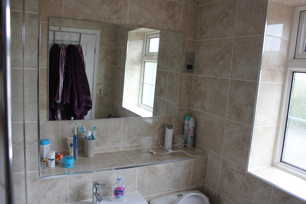 Old salmon en suite to glorious walk in shower room